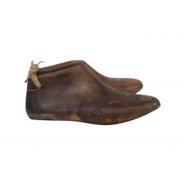 Vintage wooden shoe (large)